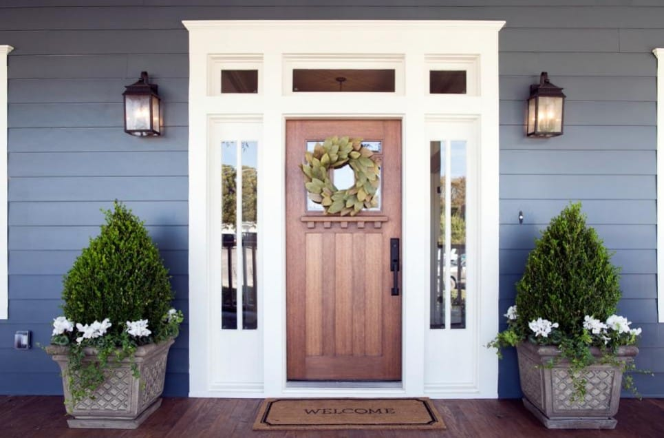 Fast and Easy Outdoor Projects that Will Upgrade Curb Appeal