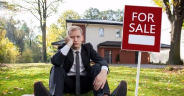 The 40 Biggest Red Flags to Look For During a House Hunt