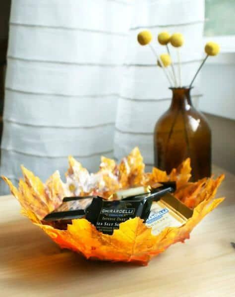35. Leaf art bowls