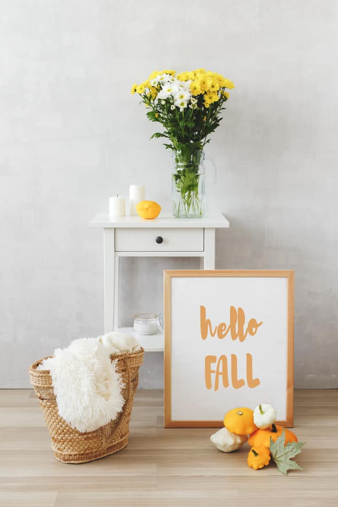 6.Accessorize the Side Table