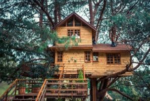 Fun and Creative Accessories for a Treehouse or Playground