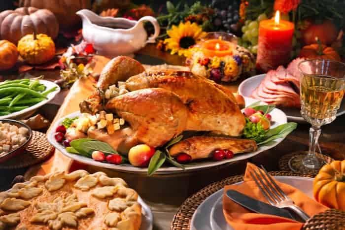 30 Last Minute Thanksgiving Dinner Hosting Tips