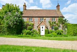 30 Ways to Achieve The English Cottage Look