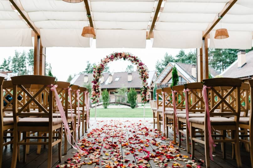 Small Backyard Wedding Ideas on a Budget