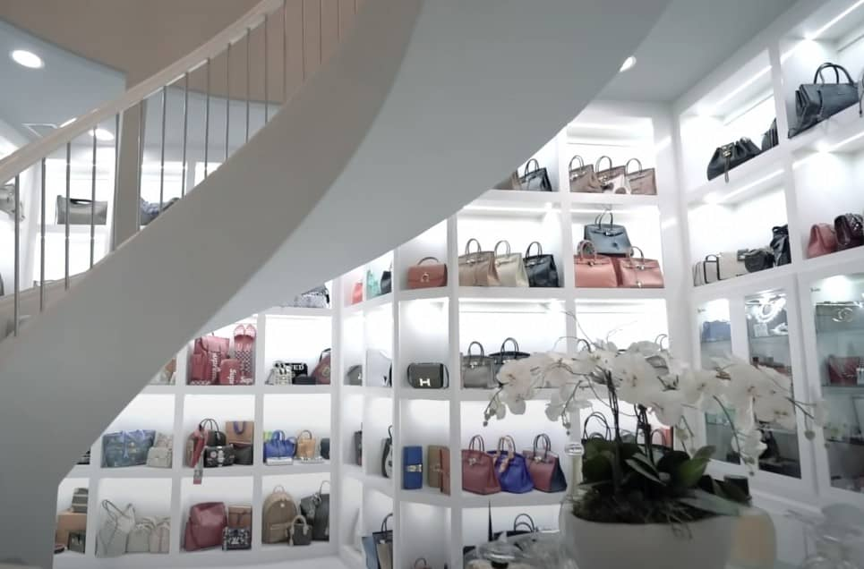 Luxury Purchases by Billionaires People Wouldn't Even Fathom